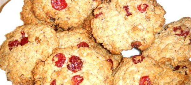 Печенье с клюквой и орехами